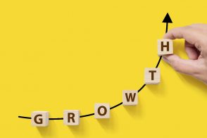 1on1ミーティングの目的は、個人の成長と会社の成長をつなげることー部下の自主性を促すには